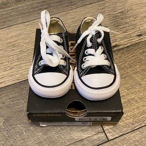 LIKE NEW Black Converse Sz 2